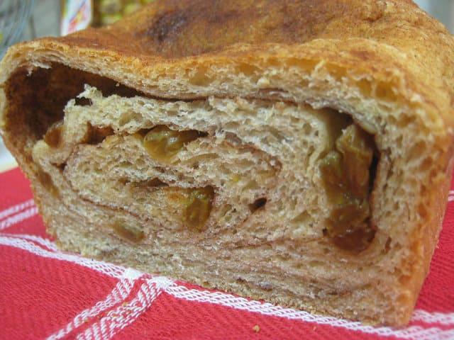 Yummy} Recipe: Cinnamon Swirl Oat Bread - Don't Waste the Crumbs
