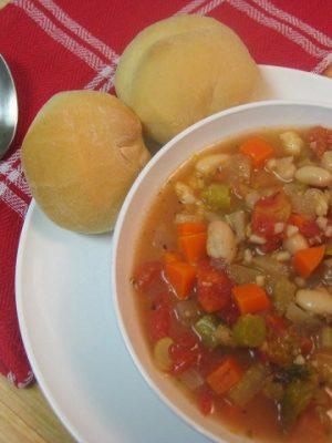 {Yummy} Recipe:  Hearty Minestrone Soup