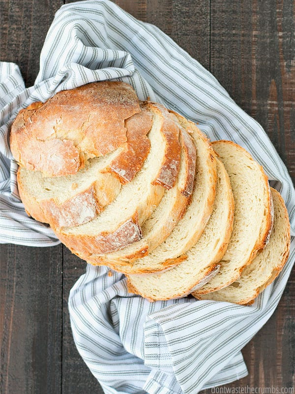 Have you heard the benefits of sourdough? Easy to make, good for your gut, and super tasty!