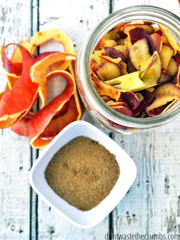 Homemade apple cider vinegar is SO easy!
