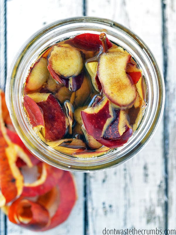 Follow this simple tutorial for making apple cider vinegar. It's so easy, you'll wonder why you haven't made it before!
