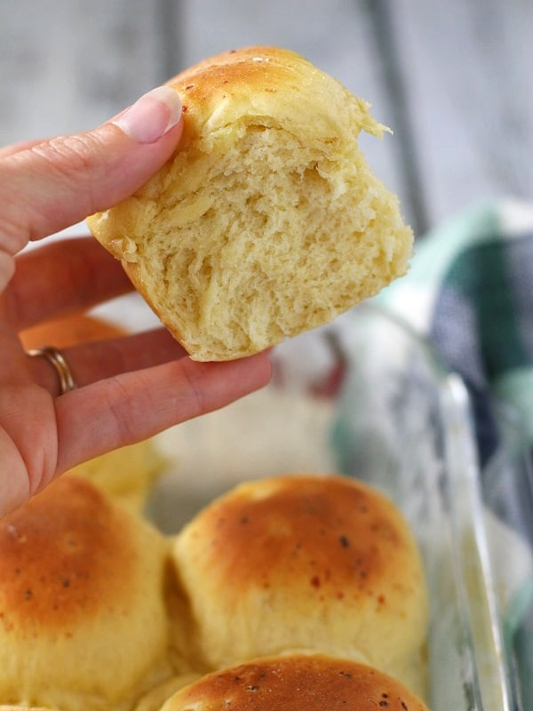 These soft homemade dinner rolls are not only delicious, but also healthy as they're made with nutrient rich einkorn flour!