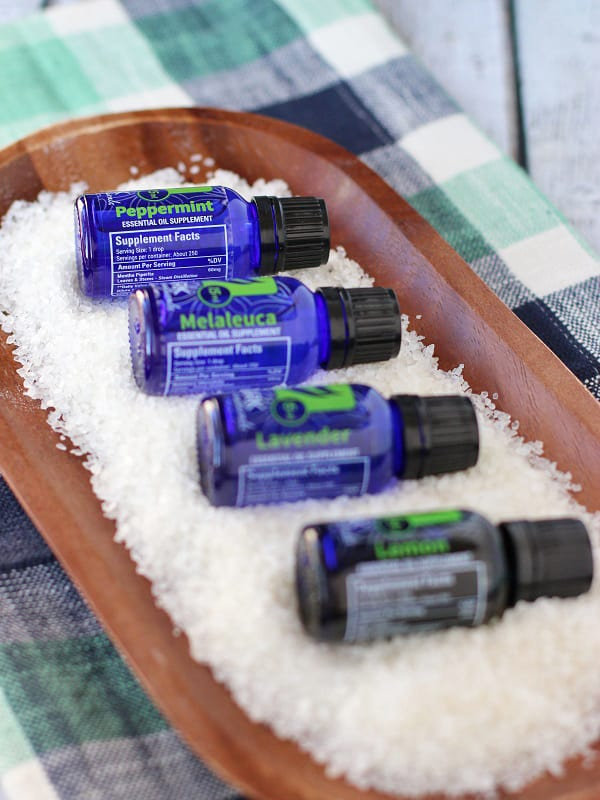 Do you suffer from allergies? This simple and all natural remedy for allergies uses just four ingredients, and one is water! Reach for this during allergy season for relief and lose the fog that comes with typical over-the-counter medicines. :: DontWastetheCrumbs.com