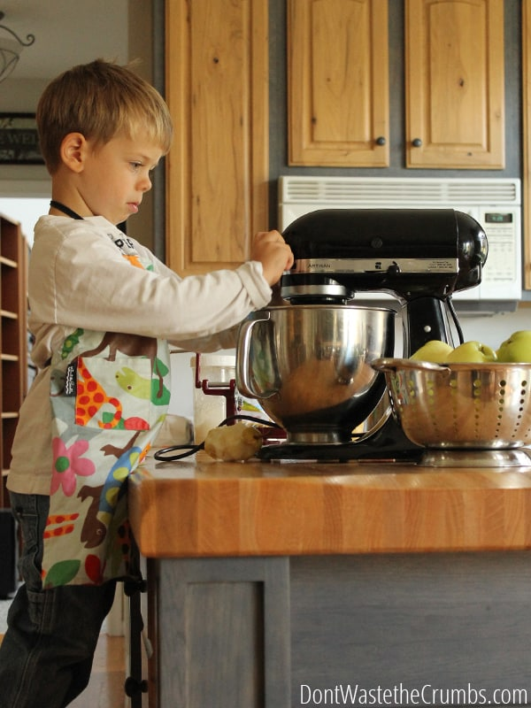 Teaching kids how to work in the kitchen provides a huge return, for both the child and the parent. Read 6 reasons why you should get your kids in the kitchen and help them while taking some of the load off yourself! :: DontWastetheCrumbs.com