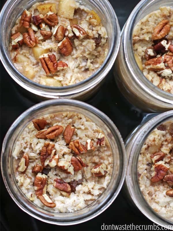 Best easy recipe and kitchen tip ever: wake up to breakfast already made for you! Single serve slow cooker oatmeal is a clean eating at its finest - an easy recipe for anyone who like oatmeal. Bonus - it's single serve, so you can make multiple flavors at once AND if you screw on the lid, it's breakfast to go! :: DontWastetheCrumbs.com
