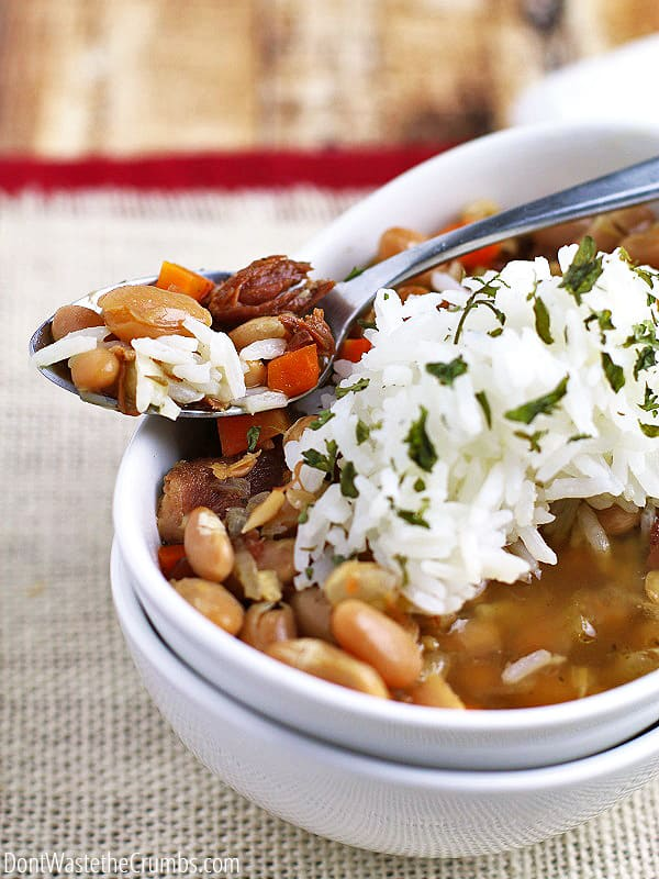 If you're trying to stretch your grocery dollars, you need to add this frugal and delicious recipe to your menU. Northern beans and ham soup costs just $6.50 for an entire pot. It's made in a slow cooker and perfect for cold winter days! :: DontWastetheCrumbs.com