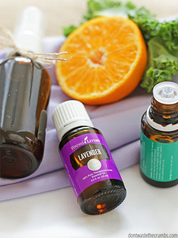 The possibilities are endless when you make your own linen spray made from essential oils. Try different scent combinations with essentials oils like lavender, rosemary, peppermint, lemon, orange, grapefruit, and tea tree! ::dontwastethecrumbs