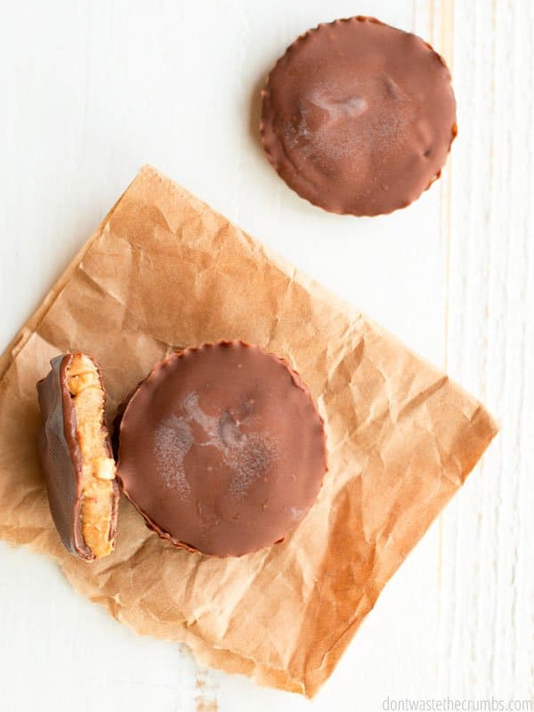 Healthy peanut butter cups? Yes, please! Copy Reese's peanut butter cups with three simple ingredients.