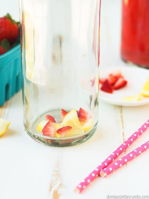 Do you make kombucha? Need some new fizzy flavor ideas? Try this strawberry lemonade kombucha recipe!
