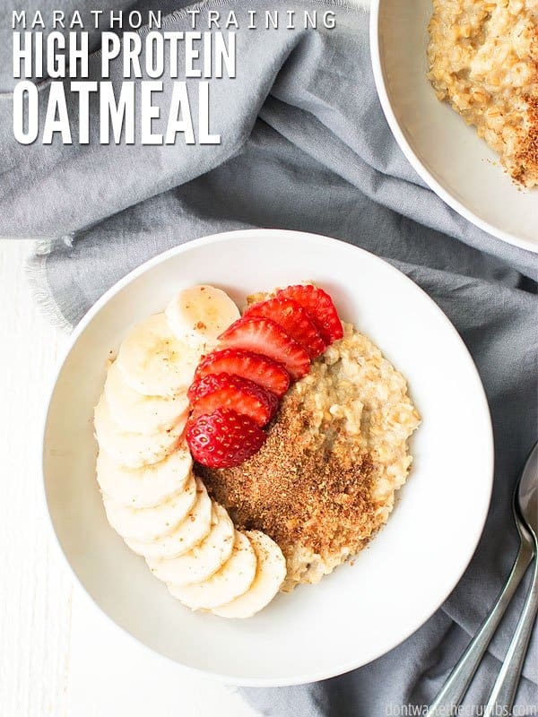 This high protein oatmeal recipe is what I make before my long runs. Your choice of Quaker oats or steel-cut plus banana and blueberry to sweeten naturally! :: DontWastetheCrumbs.com