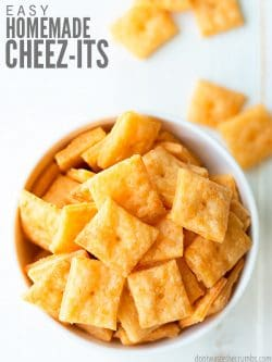 Super easy recipe for healthy homemade cheez its. Similar to Pioneer Woman's version, my kids LOVE cheese crackers and can be made gluten free and keto too! :: DontWastetheCrumbs.com