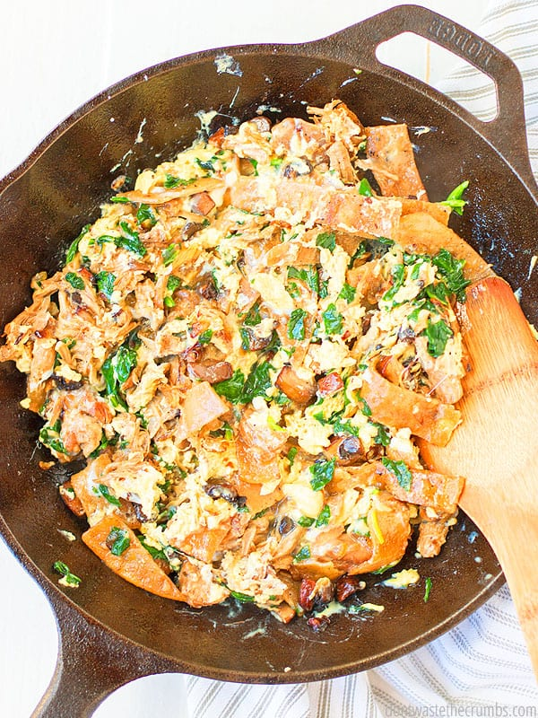 Do you have some stray leftovers lurking in the fridge? Use them up in this Tex-Mex migas recipe!
