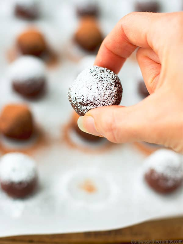 Need a quick and easy chocolatey snack? No-bake brownie bites to the rescue!