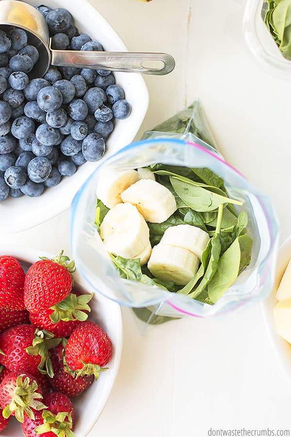 Healthy frozen smoothie pack for lunch