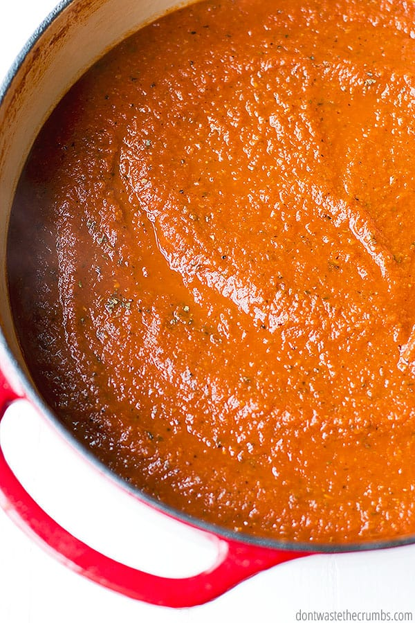 marinara sauce made from scratch with fresh ingedients