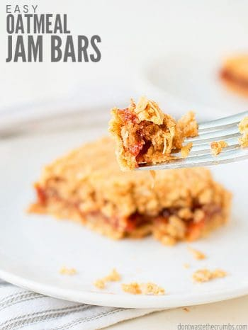 Easy recipe for healthy oatmeal jam bars. These chewy make-ahead bars are made with your choice of jam, like strawberry, raspberry, or homemade fruit jam! :: DontWastetheCrumbs.com