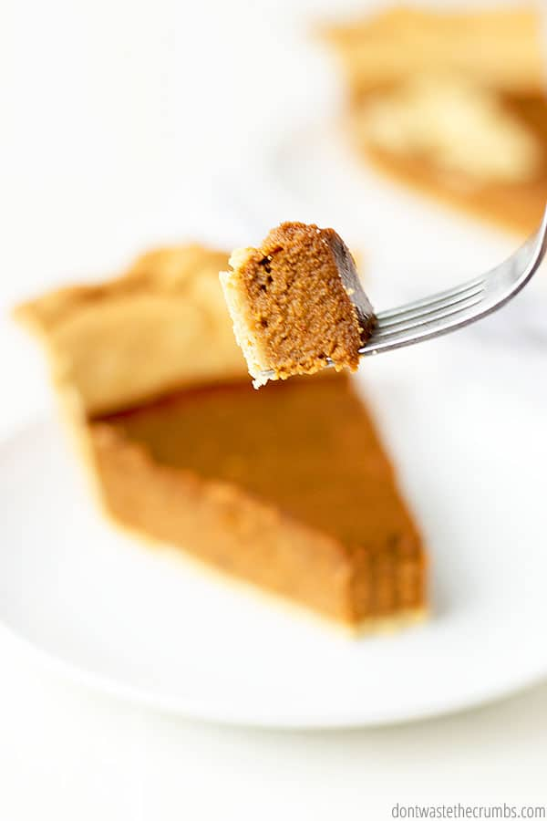 This homemade pumpkin pie is naturally sweetened! Perfect healthy dessert for the holidays.