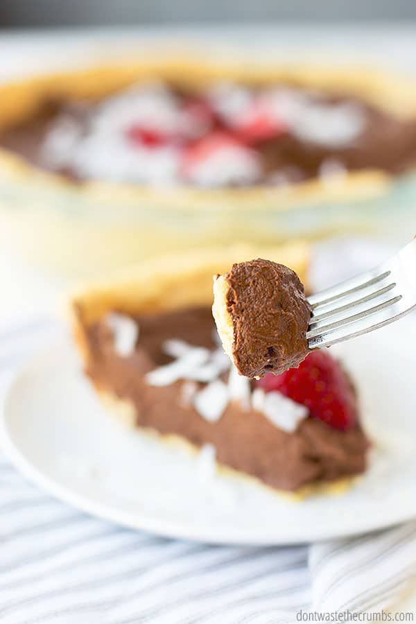 This no-bake chocolate pie is healthy! Avocado is one of the main ingredients.