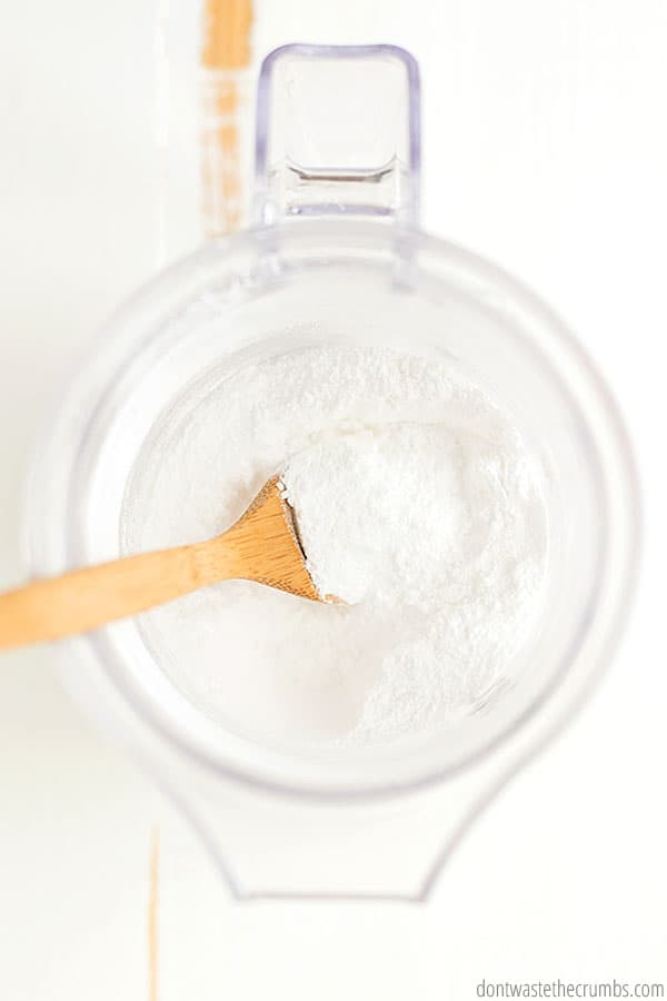 Can powdered sugar be made using a blender? Yes! Just whiz granulated sugar and cornstarch together, and you've got perfect homemade powdered sugar from a blender.