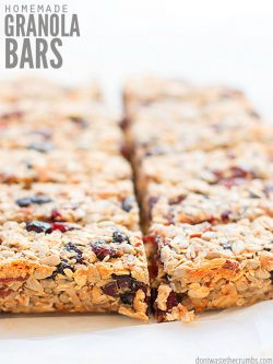 Simple recipe for the best homemade granola bars. They're healthy, chewy, crunchy, versatile, made without honey, and naturally vegan! The perfect snack. ::dontwastethecrumbs