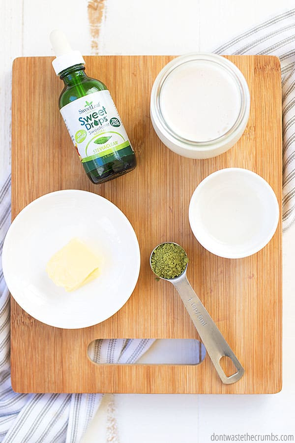 Matcha green tea latte can be made easily with water, green tea powder, butter, oil, stevia, and milk. You can use MCT oil or coconut oil, almond milk or any other milk. You can also add collagen powder for even more nutrition.