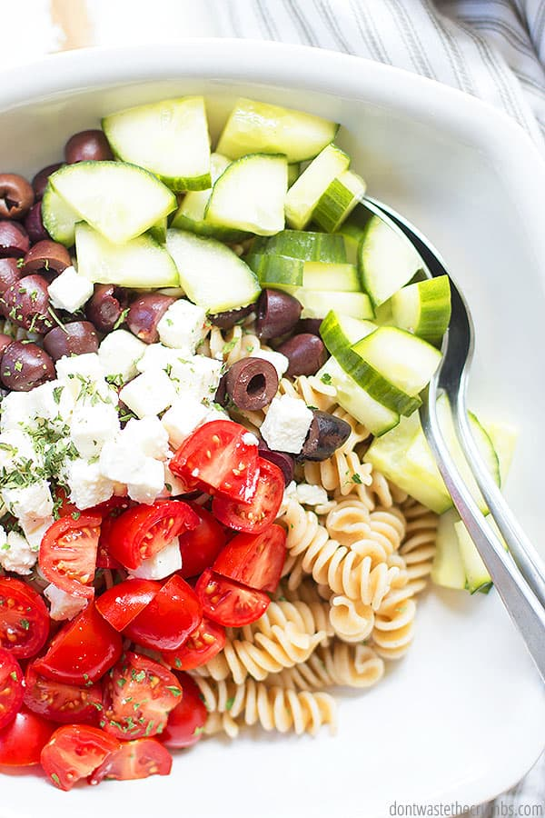 Wondering what to serve with Greek pasta salad? Try serving it with oven roasted chicken or BBQ chicken!