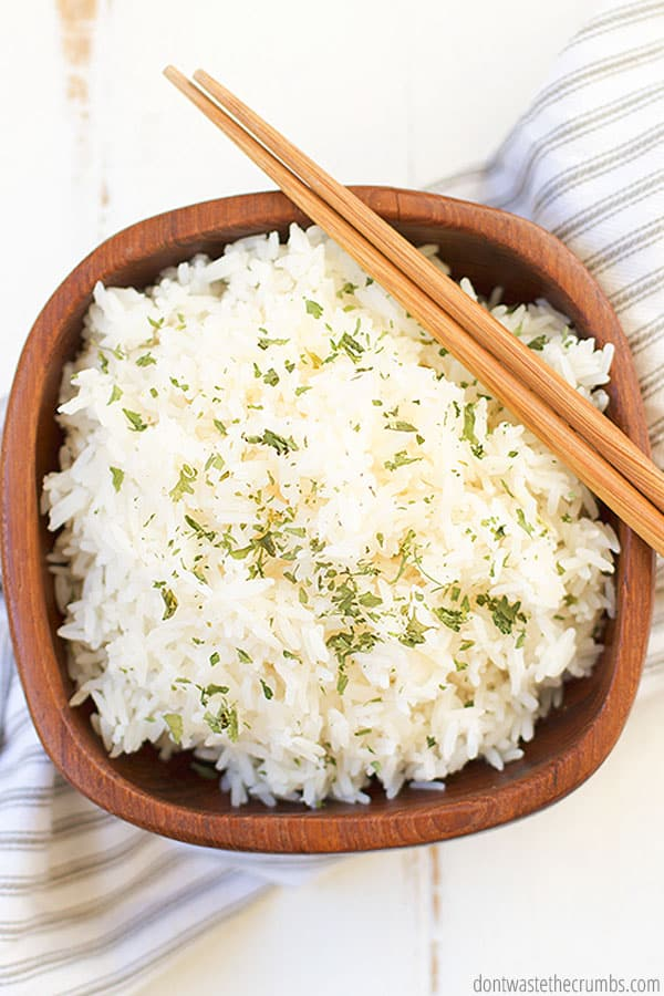 This white rice recipe is incredibly versatile. It can be served with every recipe calling for a delicious side of rice, or enjoy as is with beans! YUM!