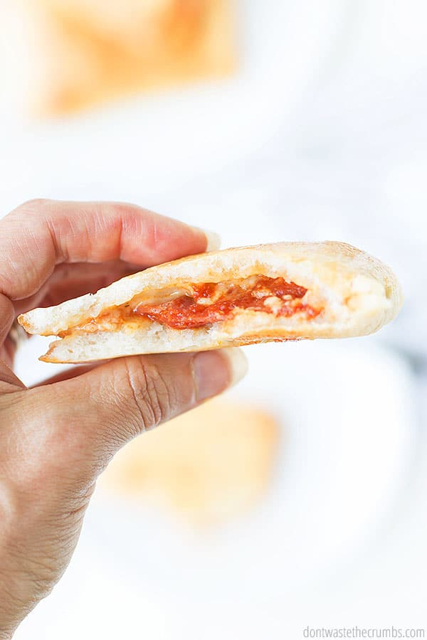 Easy recipe for homemade hot pockets! So much healthier than store-bought and there's no fake ingredients, just real food! Perfect clean eating lunch idea too for school lunches!