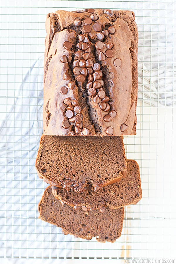 Calling all chocolate lovers! This is the best healthy homemade chocolate banana bread! It's so soft and freezer-friendly! Sliced and ready to go!