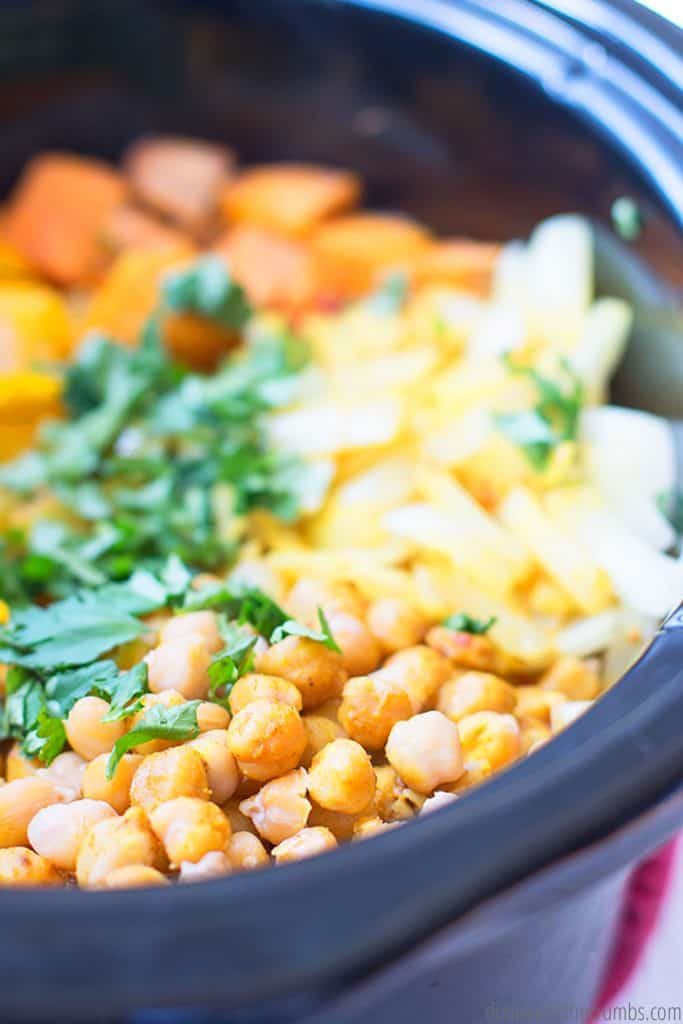 This slow cook vegetarian curry is an easy meal to make and hands free!Only 9 ingredients!